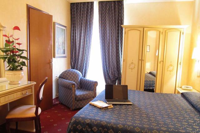 HOTEL SIVIGLIA *** 3•
