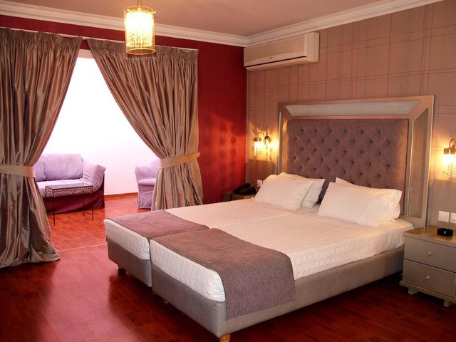 Hotel Delphi Art *** 3•