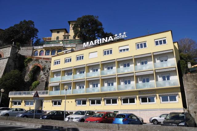 Хотел Marina*** 3•