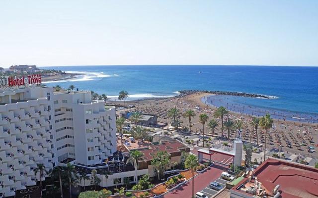 Hotel Troya 4* на плажа в Плая де лас Америкас - качество на добра цена