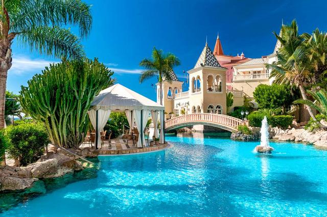 Gran Hotel Bahia del Duque Resort 5•+