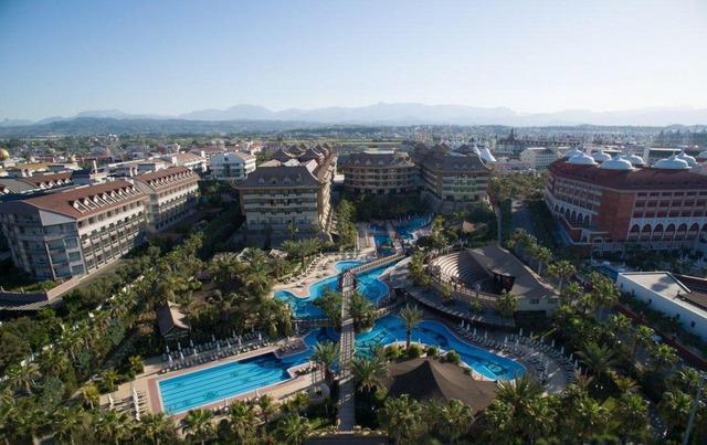 Royal Dragon Hotel 5 * 5•