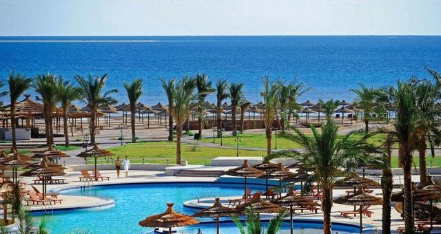 Amwaj Blue Beach Resort & Spa 5 * хотел 5•