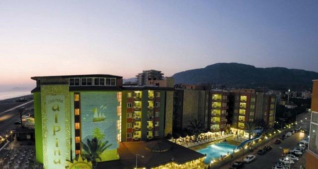 Xeno Hotels Alpina 4 * 4•