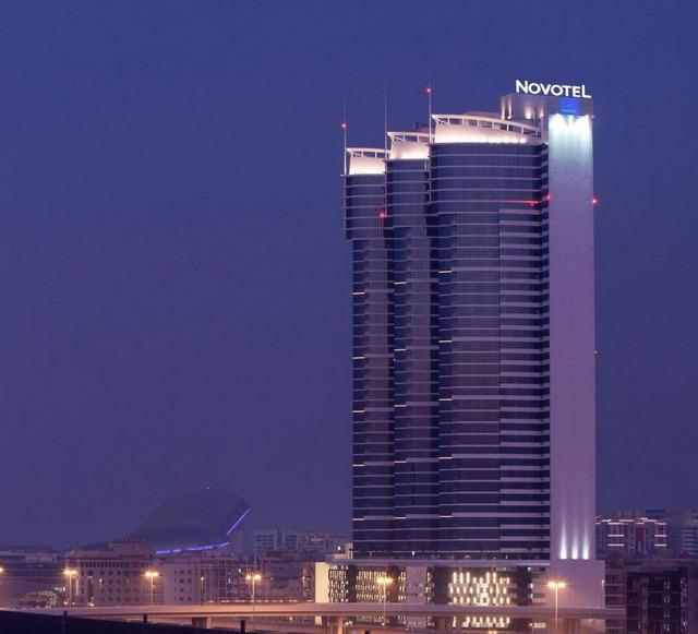 Novotel Al Barsha 4 * хотел 4•