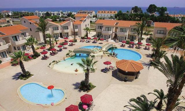 Crown Resorts Henipa 3+* хотел 1•