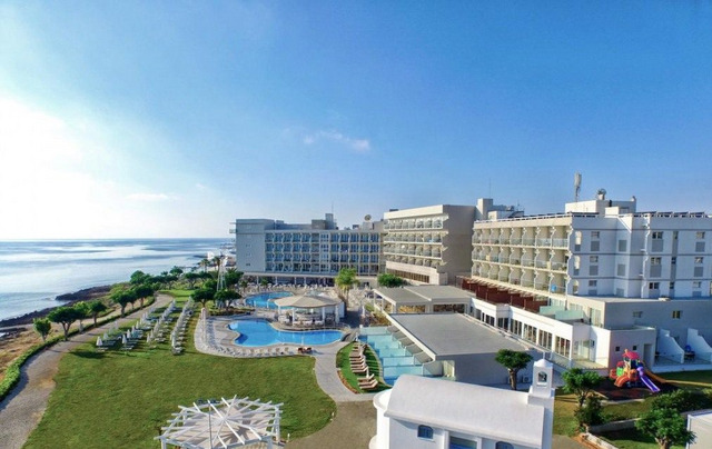 Pernera Beach Hotel 3 * 3•
