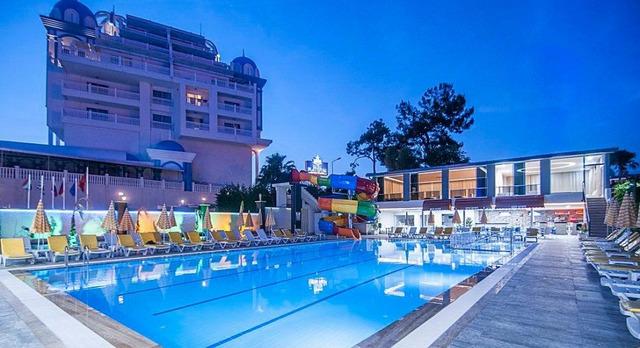 Kolibri Hotel 4* 4•