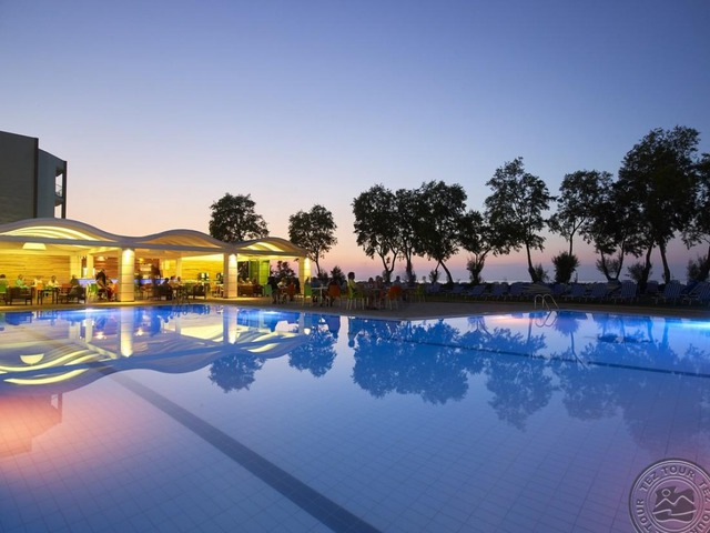 Malia Bay Beach Hotel & Bungalows 3+* 1•